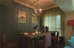 温馨小户型卧室飘窗设计图片