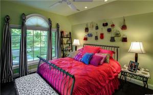 豪华卧室双人床