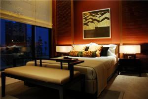 实木十平米小卧室装修图欣赏