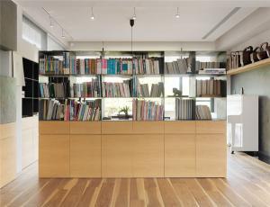 家装隔断整体书柜