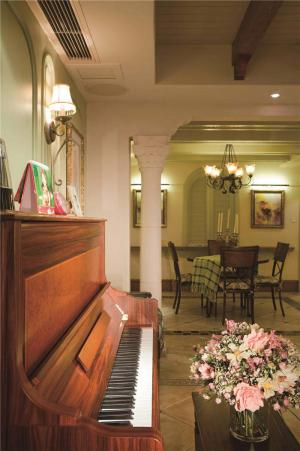 简欧客厅家具设计