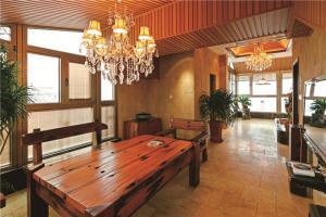 欧式长方形客厅家具图片
