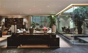 简易中式客厅家具图片
