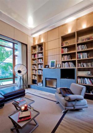 欧洲风格客厅书柜
