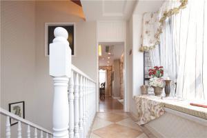 小户型简欧客厅家具图片