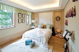 温馨十平米小卧室装修图欣赏