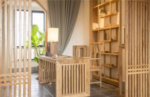 原木质朴简约书桌