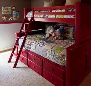 红色儿童房设计上下床