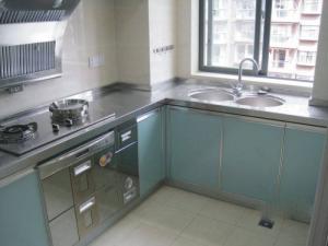 不锈钢厨房橱柜实拍图